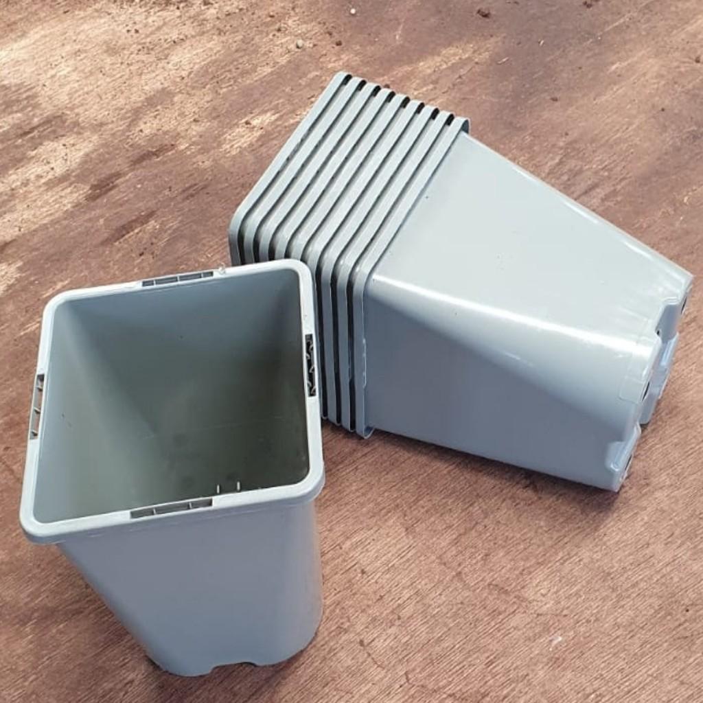 10 x 1 Litre Recyclable Plastic Plant Pots (Square Round)